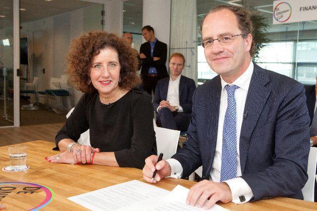 Foto Rinke Zonneveld en wethouder