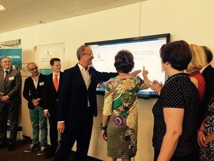 Minister Kamp and Neelie Kroes Visit HSD Campus for Launch StartupDelta.org