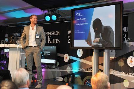 Hackers Share Insights at Business Network Event